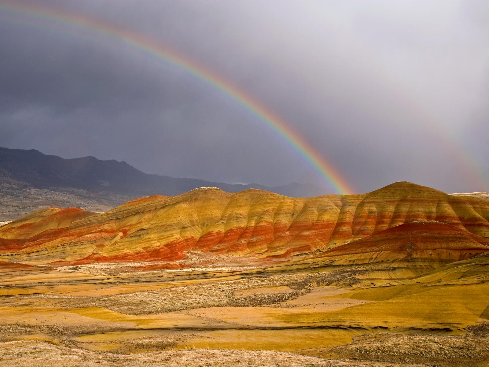 rainbow-over-the-painted-hills-oregon